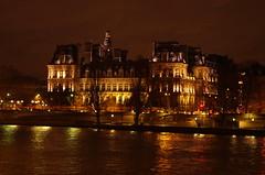 200-Paris décembre 2017 - l'Hôtel de Ville (paspog) Tags: paris france décembre nuit 2017 nacht night december dezember hôteldeville seine