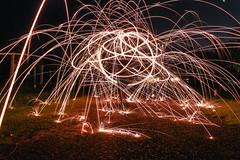 Larga exposición (Maore.) Tags: larga exposicion largaexposicion night nocturna fire fuego boy