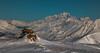 Le Seigneur des Alpes (Frédéric Fossard) Tags: snow mountain sky landscape vallée valley maurienne alpes savoie montblanc lessybelles altitude horizon snowcapped cairn ski stationdeski hiver winter mountainridge mountainrange profondeurdechamp pistedeski skitrack hautemontagne montagnesenneigées valléeenneigée panorama