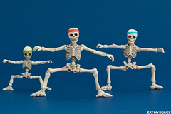 Hold your position guys!! (EatMyBones) Tags: figurine fitness miniature poseskeleton rement skeleton sport toy toyphotography