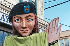 Mask of Chelsea Manning (Anne Abscission) Tags: seattle washington womensmarch seattlewomensmarch protest womensrights marchonwashington womensmarch2017 downtownseattle chelseamanning marionette puppet womxnsmarch activism mask olympusmjuzoom130 olympusmju olympusstylus kodakgold kodakgold400 kodakultramax filmphotography 35mmfilm analog ishootfilm staybrokeshootfilm outdoor sky