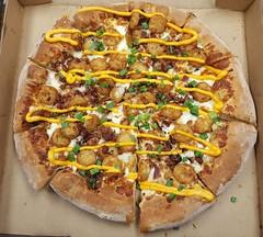 Loaded Tot Pizza (rabidscottsman) Tags: scotthendersonphotography food foodporn foodblog pizza friday round cheese nachocheese potatoes bacon pork meat drizzle tatertots lunch meal pizzabox topperspizza ranchsauce pepsi work conferenceroom greenonion scallions applewoodsmokedbacon mn minnesota lakevilleminnesota delicious socialmedia usa unitedstatesofamerica instagram twincities nationalpizzaday