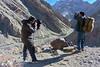 Spotting (Vinchel) Tags: india jammu kashmir ladakh tarbung outdoor nature landscape travel people mountain valley light l16 snow