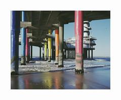 pillars (ha*voc) Tags: mamiya7ii 80mm rangefinder film fujipro400h 120 mediumformat 6x7 urban beach scheveningen pier