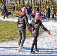 2018 Doornsche IJsclub (Steenvoorde Leen - 8 ml views) Tags: 2018 doorn utrechtseheuvelrug schaatsbaan doornscheijsclub ijsbaan natuurijsbaan people ice iceskating schaatsen skating schittshuhlaufen eislaufen skate patinar schaatser schaatsers skaters girls winter dutch thenetherlands holland skats fun ijspret icefun icy glide