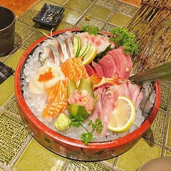 Human mind vs raw food #food #shashimi #japanesefood