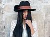 Lizzette (Troylo@stur) Tags: fotografia sombrero exterior luznatural luz hat color canon 35mm ecuador moda modelo model fashion chica pelo