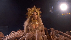 New trending GIF on Giphy (I AM THE VIDEOGRAPHER) Tags: ifttt giphy beyonce grammys 2017