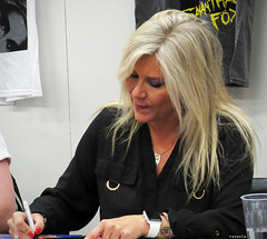 20170409_2 Samantha Fox | The Scandinavian Sci-Fi, Game & Film Convention, Gothenburg, Sweden (ratexla) Tags: samanthafox thescandinavianscifigamefilmconvention 9apr2017 2017 göteborg gothenburg goteborg sweden sverige canonpowershotsx50hs celeb celebrity celebrities star stars film movie movies cinema con cons fandom person people human humans homosapiens scandinavia europe celebs life earth tellus organism scifi fantasy actor actors filmmässa scifiworld famous convention entertainment kändis kändisar photophotospicturepicturesimageimagesfotofotonbildbilder moviestar moviestars culture scandinavianscifigamefilmconvention woman women girl girls chick chicks actress actresses favorite