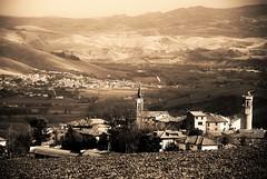 Auditore (gio.cam) Tags: campanile torre alberi campi paese auditore bianco nero valle