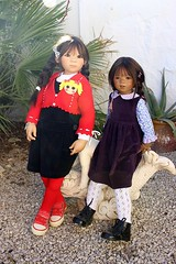 Kiomi & Sidika Himstedt (dambuster01) Tags: annettehimstedt vinyldoll worldchildrenssummit sisters asian sidika kiomi 2005