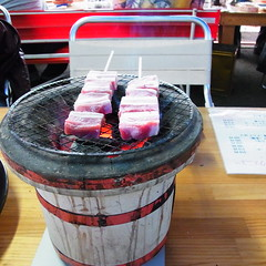 R0067275 (昭和のかず) Tags: 牡蠣 食べ放題 松山城 ケーブルカー 梅 天守閣 階段 伊予柑ソフト 兜 鎧 刀 正岡子規 石碑 博物館