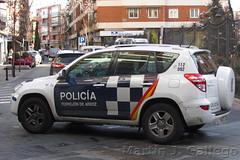 TOYOTA RAV 4 (Martin J. Gallego. Siempre enredando) Tags: emergency emergencyvehicles emergencia emergencias policia policialocal police toyota rav4 toyotarav4 car 4x4 100v10f