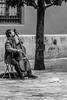 Musicien de rue. (Eric83400) Tags: musicien rue nb bw noiretblanc blackwithe espagne andalousie grenade violoncelle