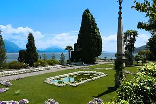 Les jardins Borromeo , le bassin