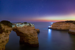 Starry sky (hloklm) Tags: algarve coast arch rock shortterm long exposure blue hour portugal cliff atlantic ocean sea shore night stars galaxy himmel wasser berg landschaft meer felsen ozean atlantik langzeitbelichtung kurzzeitbelichtung nacht sternenhimmel milchstrase prajadaalbandeira