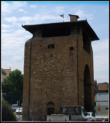 Puerta de la Cruz (Florencia, Italia, 30-6-2009) (Juanje Orío) Tags: italia florencia 2009 italy firenze patrimoniodelahumanidad worldheritage puerta arco