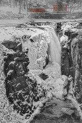 Paterson NJ Great Falls (Susan Candelario) Tags: greatfalls greatfallsofthepassaicriver nj newjersey northamerica passaiccounty paterson patersongreatfallsnationalhistoricalpark susancandelario us usa unitedstates winter bombcyclone cascade cataract falls flow flowing freshwater frost frozen hail ice icestorm icicle river rivers snow snowshower snowball snowfall water waterfall wintertime