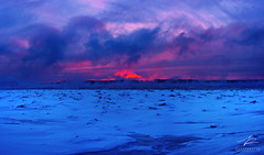 Red vs Blue (JPLapointe) Tags: froid glacial sun soleil sunrise sky glace givre greatsky canada clouds fleuve frosty frozen quebec québec quebeccity quebectourisme nikon nationalgeographic nuages neige nationalgeographique nature natinalgeographic ngc colors church smoke coucher de mer ciel océan eau