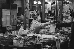 2013_Kanazawa-15 (peaceblaster9) Tags: winter kanazawa japan travel fish market monochrome blackandwhite bw bnw canoneos m3 初心者 北陸 金沢 冬 モノクローム モノクロ 白黒 市場
