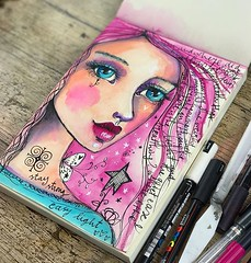 A bit of art journaling while watching #graceandfrankie #willowing #willowingarts #mixedmedia #mixedmediaart #artistsofinstagram #tamaralaporte #art