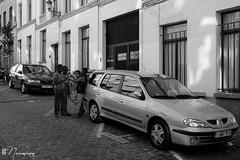 Les Marolles - 070 (bruxelles5) Tags: marolles brussels bruxelles quartier populaire rue haute noir blanc black white