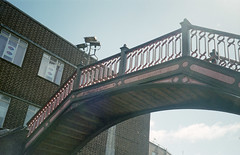 1872 Footbridge, Poole, June 2004 (Ian D Nolan) Tags: poolestation railway 35mm epsonperfectionv750scanner
