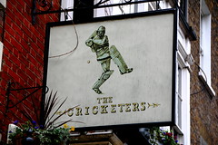 Pub sign for the Cricketers, Richmond. (Peter Anthony Gorman) Tags: pubsigns richmondpubs cricketers greenking