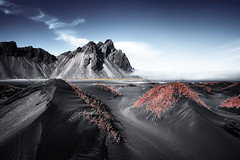 Vestrahorn Islande (EtienneR68) Tags: landscape bleu blue colors eau hills mer montagne mountain nature paysage snaefellsnes vestrahorn sea water marque a7r2 a7rii sony pays iceland islande