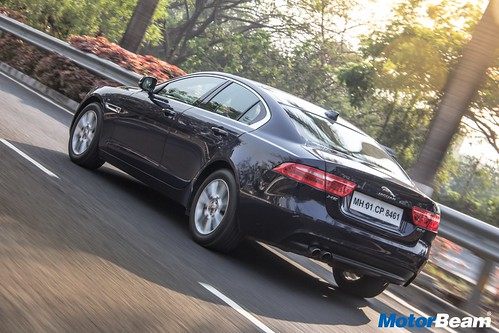Jaguar-XE-Diesel-05
