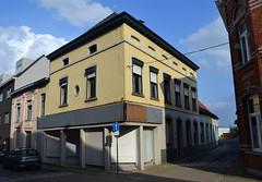 Sint-Berlindisstraat 1-3, Meerbeke (Erf-goed.be) Tags: woning sintberlindisstraat meerbeke ninove archeonet geotagged geo:lon=4042 geo:lat=508245 oostvlaanderen