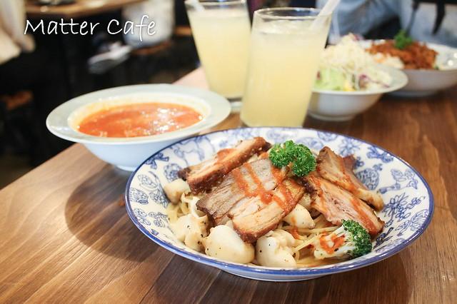 Matter Cafe-IG熱門舒芙蕾鬆餅,還有超好拍的乾燥花與可愛雲朵!【板橋美食/捷運新埔】 @J&A的旅行