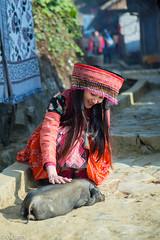 Sapa Vietnam (Dang Vu Lam) Tags: sapa vietnam village cool hmong miao dress colourful culture traditional