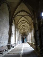 Puerta del Amparo iglesia galeria del claustro Catedral de Santa Maria La Real Pamplona (Rafael Gomez - http://micamara.es) Tags: puerta del amparo iglesia galeria claustro catedral de santa maria la real pamplona