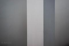 Flowing Gray (ARTUS8) Tags: flickr blackwhite abstrakt linien nikond800 struktur nikon50mmf18 schwarzweis wand raum säule
