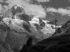 La Dent Blanche (et, au fond, le Matterhorn) (giorgiorodano46) Tags: agosto2011 august 2011 giorgiorodano bw blackwhite biancoenero valdhérens alpagedeletoile dentblanche matterhorn cervino vallese valais wallis svizzera suisse schweiz switzerland mountain alpi alpes alps alpen landscape
