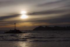 Ambiente nostálgico (jc.mendo) Tags: jcmendo canon 7d 35mm ambiente nostalgico nostalgic environment sunset atardecer mar sea beach benidorm playa