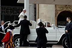 Papa-57 (Fabio Nedrotti) Tags: altreparolechiave luoghi papa papafrancesco persone roma vaticano piazza san pietro