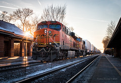 Riverside Rays (Wheelnrail) Tags: bnsf burlington northern santa fe train trains ge riverside chicago subdivision metra station locomotive z intermodal pig racetrack sunset sun set rail road railroad ray light