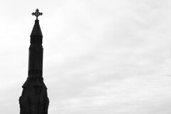 (Karsten Fatur) Tags: sky bw blackandwhite monochrome church spire chapel necropolis grave graveyard death glasgow scotland uk unitedkingdom britain greatbritain europe travel travelphotography architecture building history