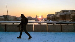 London Bridge sunrise, Winter 2018 (Paul-M-Wright) Tags: london bridge snow sunrise sun commuter towerbridge winter beastfromtheeast river thames uk londonstreetphotography londonstreet londonscene