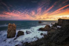 Cantabria infinita II (Ramón M. Covelo) Tags: cantabria liencres urros puerta cantabrico sea seascape mar costa coast landscape horizontal sunrise amanecer