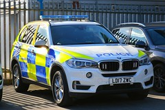 LD17 ZWC (S11 AUN) Tags: humberside police bmw x5 anpr traffic car rpu roads policing unit arv armed response 999 emergency vehicle ld17zwc