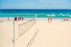 summer 2018  #180 (lynnb's snaps) Tags: ektar100 elmar50mmf35 leicaiiif sydney beach colour film rangefinder 2018 barnack leitzelmar5cmf35ltm people summer manly kodakfilm australia 50mm