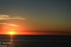 4 Sunset (faneitzke) Tags: portfolio canont5eos1200d canon canont5 january janvrier janeiro summer été verão américadosul americadelsur ameriquelatine latinoamérica latinamerica américalatina oceano ocean mar sea mer oceanoatlântico atlantic atlanticocean sunset pôrdosol coucherdusoleil puestadesol nature natureza naturaleza contrast contraste seascape
