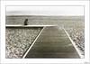 ¿Por qué no se para el reloj? (V- strom) Tags: concepto concept blanconegro blackwhite monocromo monochrome madera wood mar océanoatlántico sea personas people luz light sepia arena sand nazaré portugal huellas footprints nikon nikon2470 nikond700 viaje travel recuerdo memory texturas textures paisajes landscape oceano playa líneas agua water