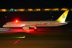 Royal Brunei Boeing 787-8 Dreamliner V8-DLC (Mark Harris photography) Tags: spotting changi wsss plane aviation canon