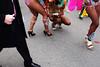 au genou droit (yaya13baut) Tags: limoux carnavaldelimoux carnival carnaval color people fujifilm fuji fujix100s fujifilmx100s fujifilmxseries fujixseries fujifilmfrance street streetphotography streetphoto streetphotographers streetphotographer streettogs legs crop frame