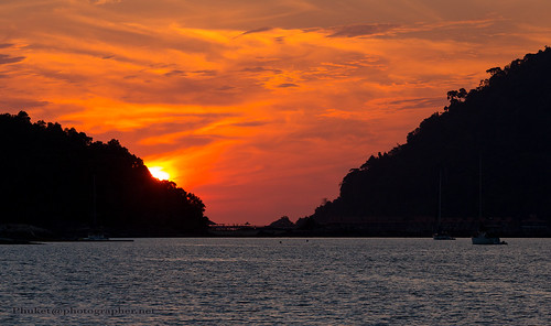 sunset from the yacht near Langkawi island, Malaysia      XOKA1487s
