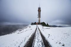 Primeras nieves... (noldor12) Tags: barrioparkotxa trapagarán bizkaia spain paísvasco paisvasco canoneos6d canonef1635f4lisusm nieve snow tower